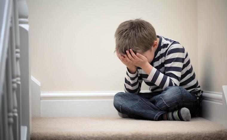 Crianças e adolescentes que perderam os pais para Covid-19 poderão ter direito a pensão