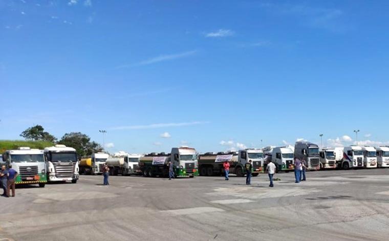 Transportadores de combustíveis ameaçam nova paralisação no abastecimento em Minas Gerais