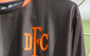 Democrata vai premiar com R$ 500 em compras torcedores que desenharem novos uniformes de treinos