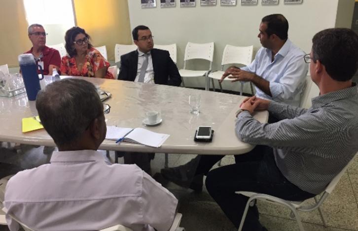Diretores do HNSG se reúnem com vereadora para esclarecer denúncia