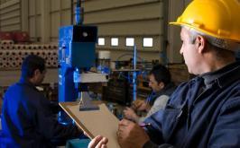 Multitécnica oferece vaga de emprego para Assistente Técnico de Produção