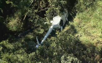 Helicóptero com 4 tripulantes cai em mata na região Oeste de Belo Horizonte