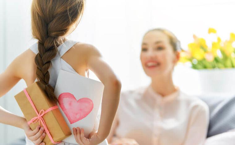 Inflação de presentes para o Dia das Mães é a mais alta em 4 anos, diz FGV
