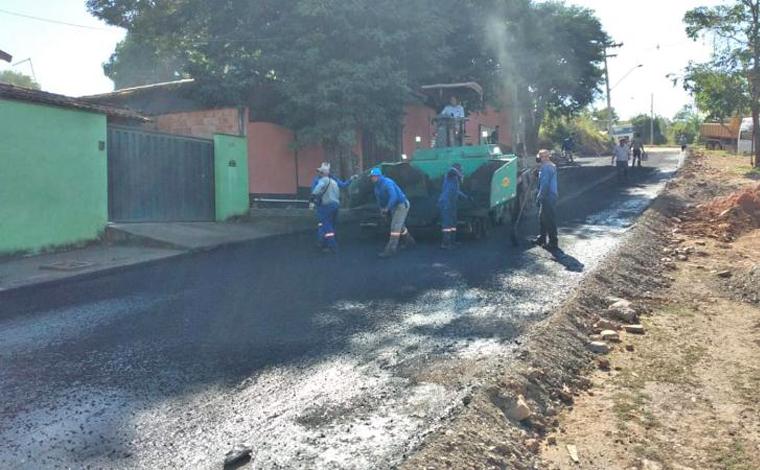 Obras de pavimentação e drenagem no bairro Padre Teodoro estão em ritmo acelerado