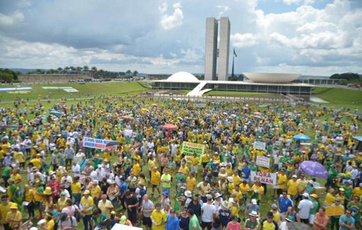 Protestos a favor da Lava Jato reúnem manifestantes em cerca de 200 cidades