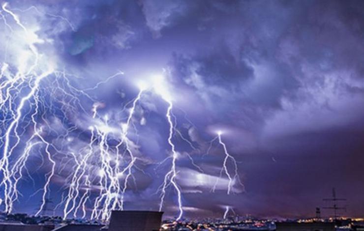 Previsão é de chuvas fortes e rajadas de vento em quase todo o estado