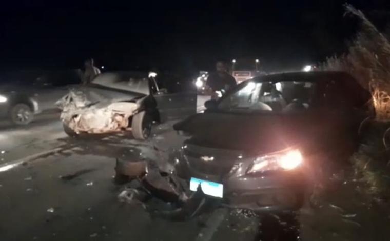 Cinco pessoas ficam feridas em colisão entre dois veículos na MG-010, em Jaboticatubas