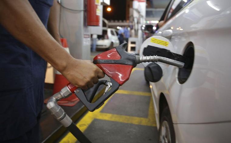 Levantamento mostra que gasolina vendida nos postos de Minas Gerais é a 3ª mais cara do Brasil