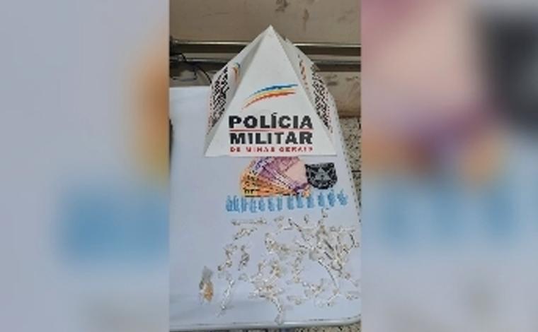 Dois homens são presos por tráfico de drogas no bairro Donato em Pedro Leopoldo