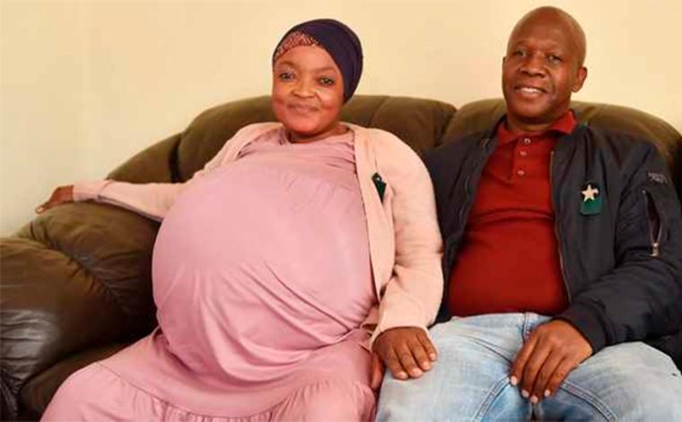 Aos 37 anos, mulher sul-africana dá à luz a dez bebês em parto que surpreendeu médicos