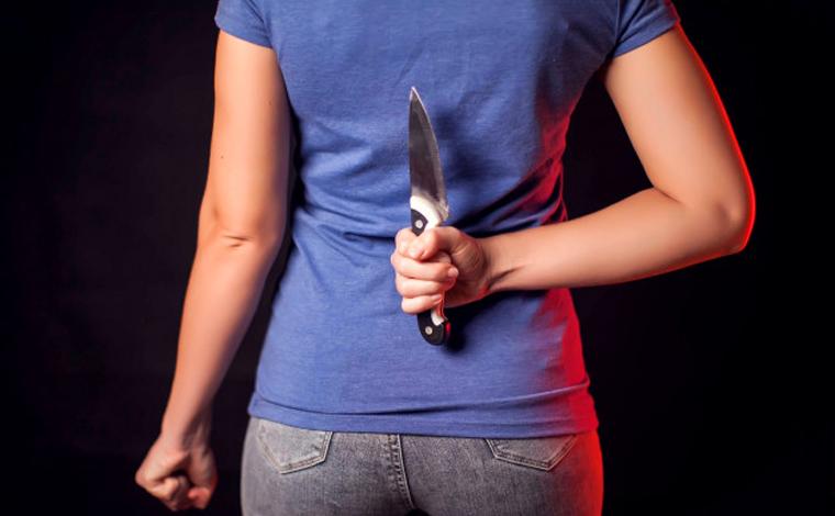 Mulher mata marido com golpes de faca após ser agredida junto com o filho na Grande BH