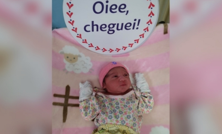Mulher entra em trabalho de parto e filha nasce na BR-040 em Contagem