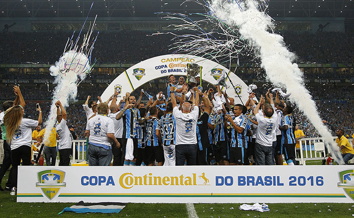 Cazares marca golaço, mas Galo perde o título para o Grêmio no Sul
